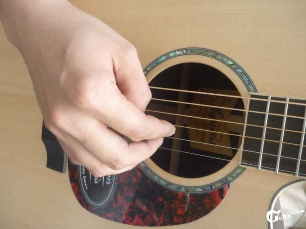弹琴的右手陋习(不良动作)-自觉检查
