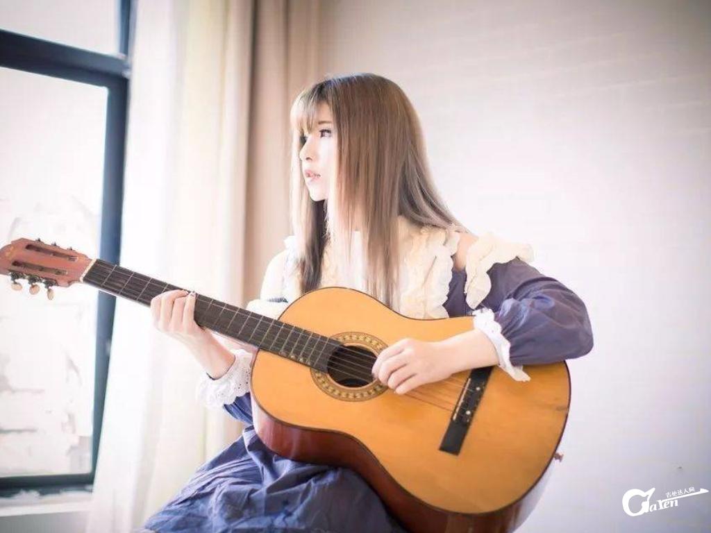 听到一首歌马上就能用吉他伴奏是怎样炼成的?
