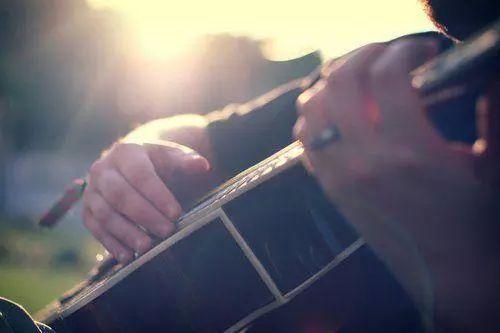 一次学会1000+首歌,万能和弦进行