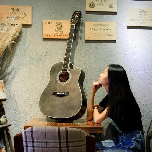 如何判断一把木吉他的品质_吉他达人网